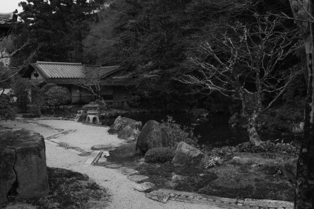 1103 formal garden nanzen-ji kyoto.jpg